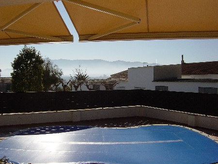 Toldo cofre extensible y piscinas (Instalaciones)