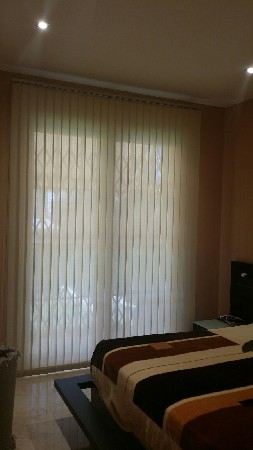 Estores, cortinas persianas Valero